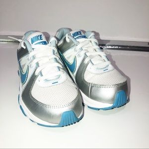 Nike T- Run 5 metallic and ice blue youth.